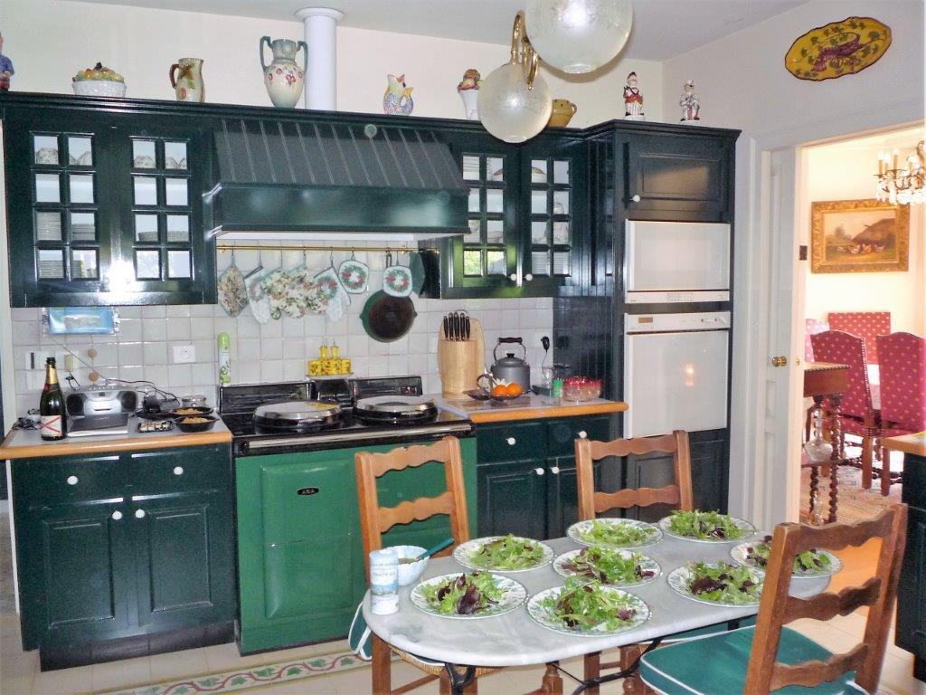 Maison atypique dans un écrin de verdure