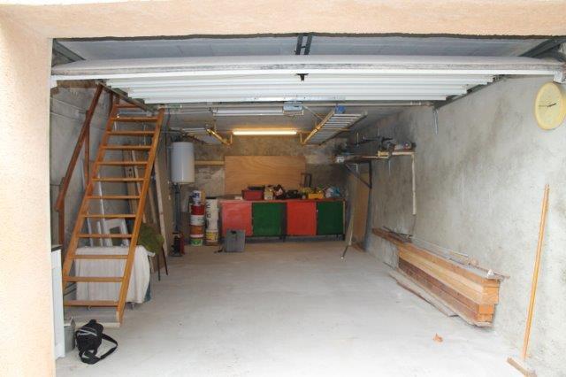 Maison de village avec garage
