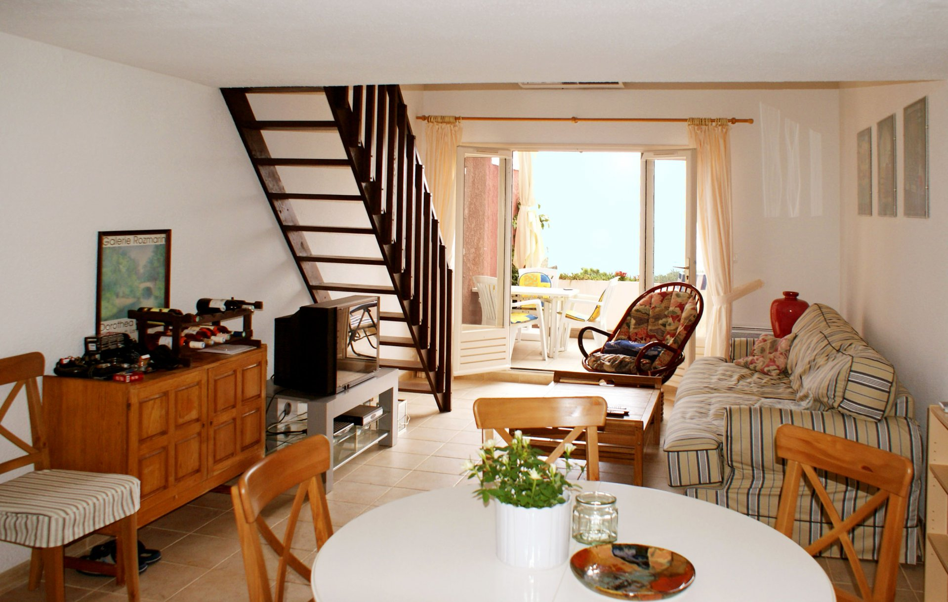 3 bed rooms apartment 6 sleeps) terrace, sea view * MM 03 *
