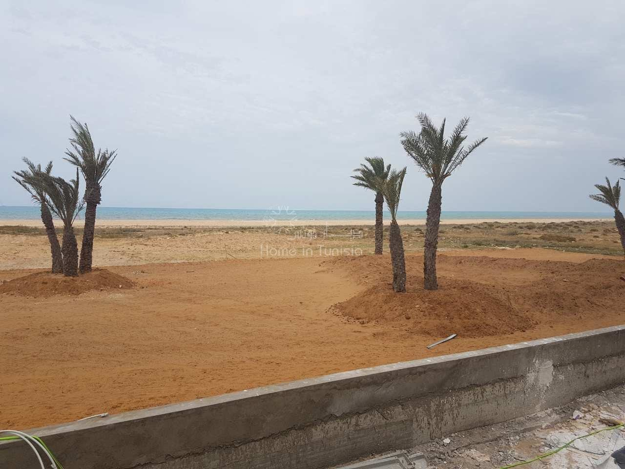 Area extension Gammarth Residence S + 3 large S + 3 located in a luxury luxury residence and 50 meters from the sea
