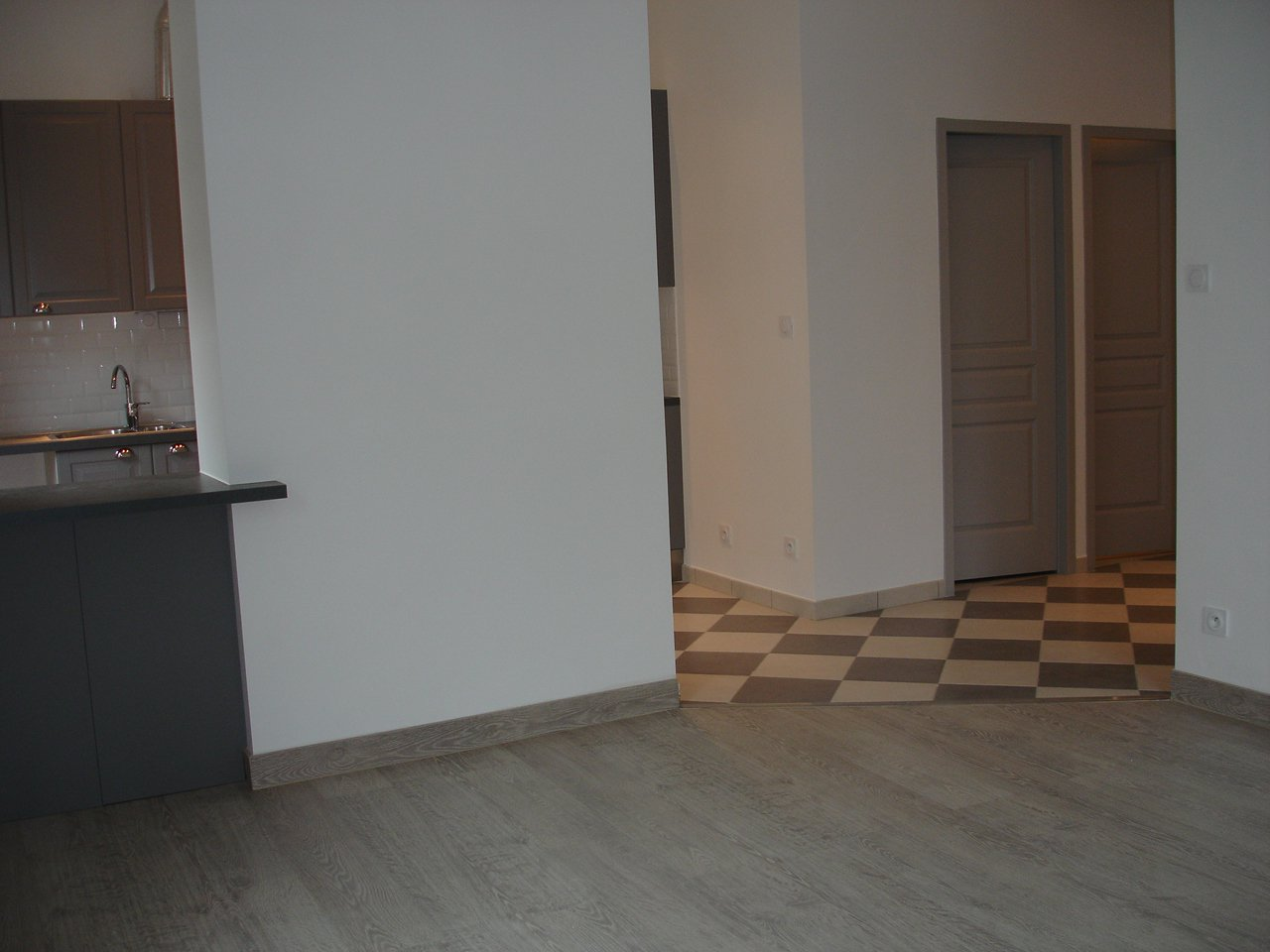 Sale Apartment - Grenoble Championnet