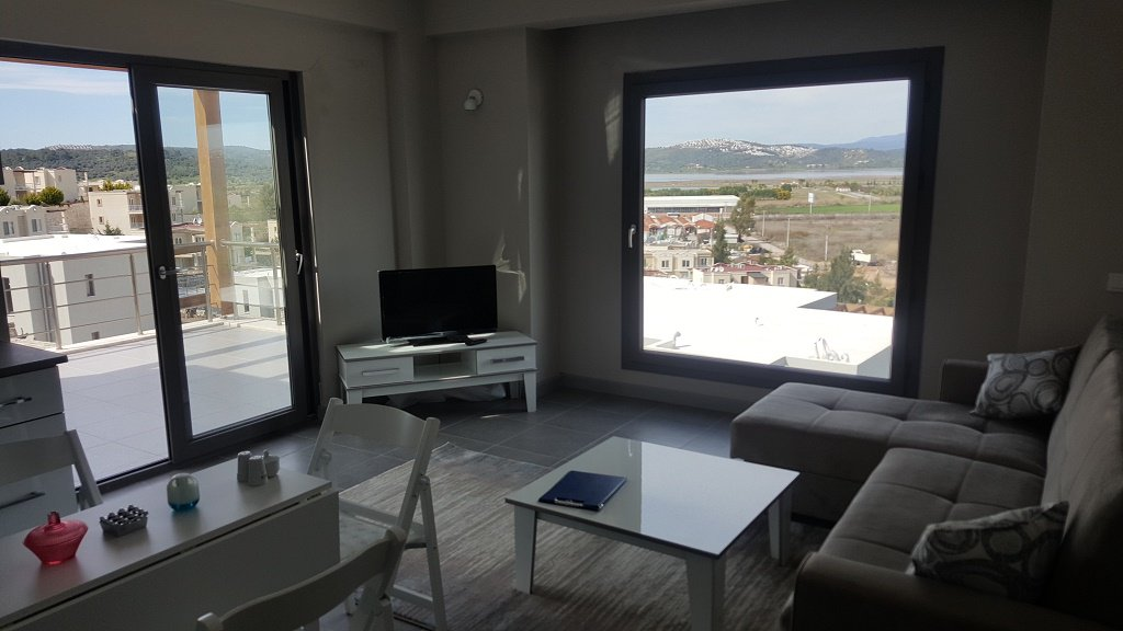 New 2 bedroom apartment overlooking the lake and golf course