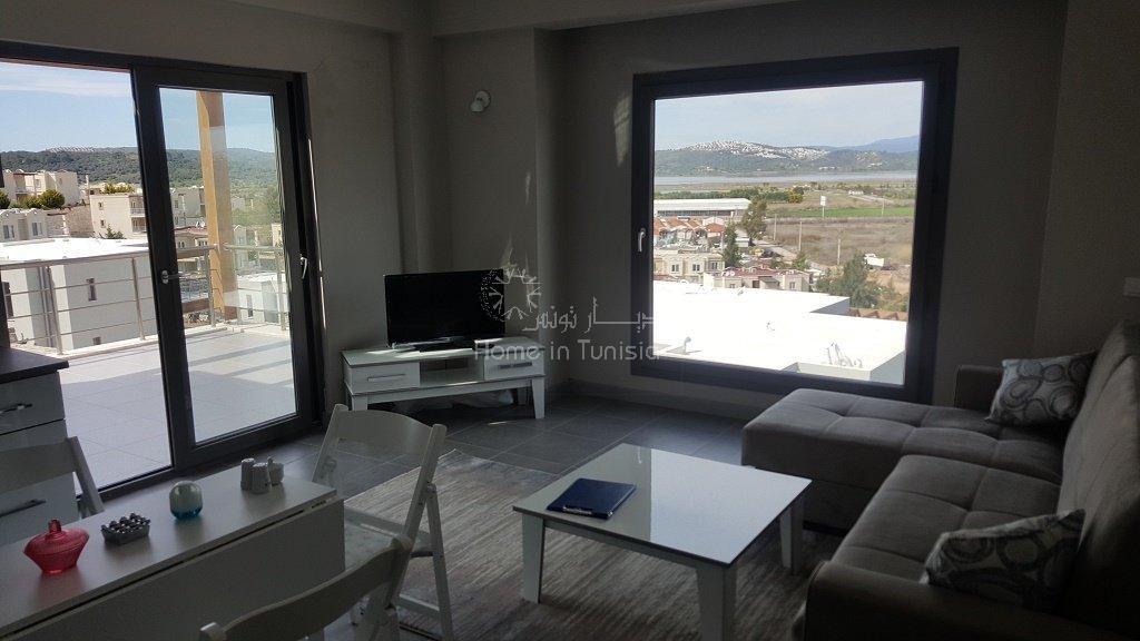 Appartement neuf 2 chambres vue sur le lac et le golf course
