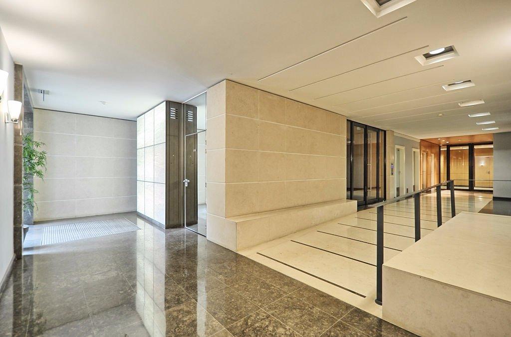 2p dans immeuble récent - Métro Jean Jaurès