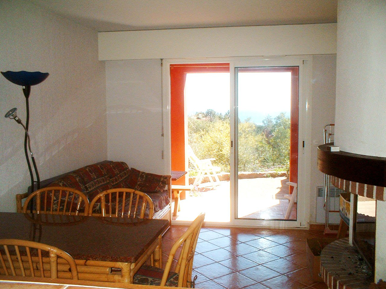 living room,  bed room (4 persons) kitchenette terrasse sea view  * RO 42 *