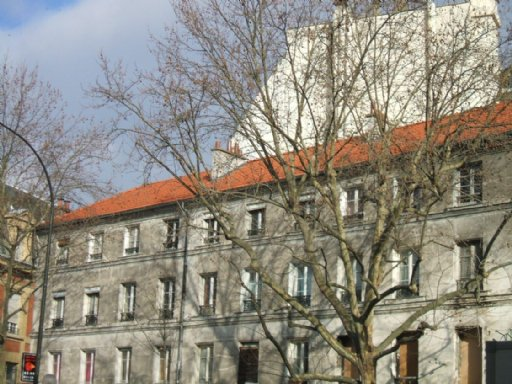 Studio à rénover entièrement secteur square Léon Blum