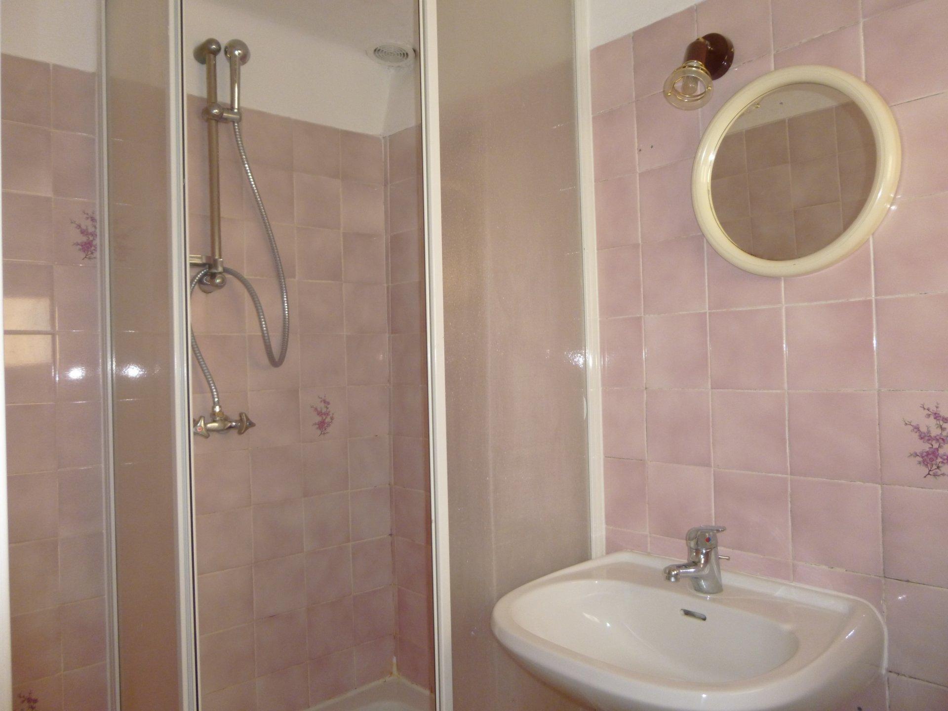 Location Appartement - Vins-sur-Caramy