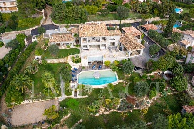 Property of exception to rent in Mougins