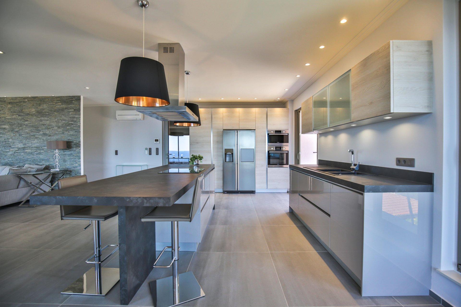 Villa renovada de 240 m² 6 habitaciones con vistas al mar