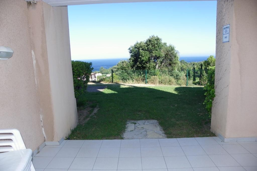 Apartment Stage Garden level, View Sea, position south east, General condition Good, Kitchen Kitchenette, ...