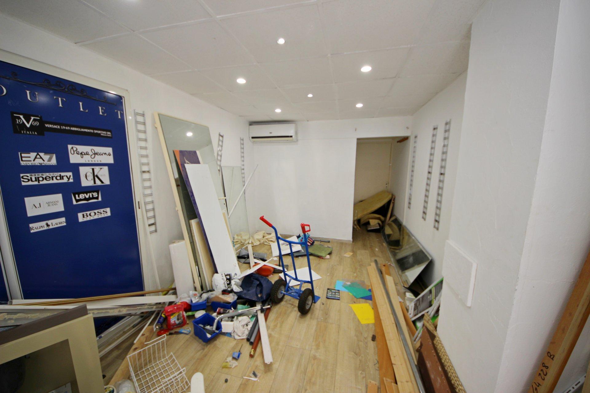 PremisesStage Ground floor, General condition Good, Window OUICompanyActivitiesAuthorised TOUTES ...