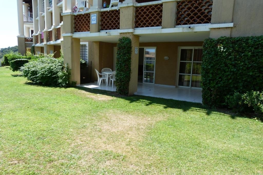 Apartment Stage Garden level, View Unobstructed, position east, General condition Excellent, Kitchen ...