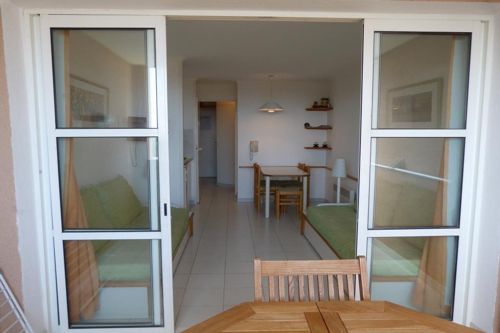 Apartment Stage 1st, View Golf, General condition Good, Kitchen Kitchenette, Heating Separate electric, ...