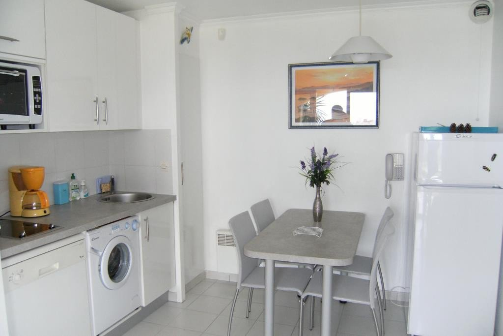 Apartment Stage Garden level, View Panoramic sea, Position east, General condition Good, Kitchen Kitchenette, ...
