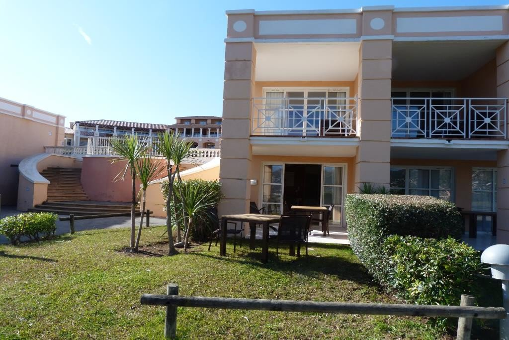 Apartment Stage Garden level, View Greenery, position east, General condition Excellent, Kitchen Kitchenette, ...