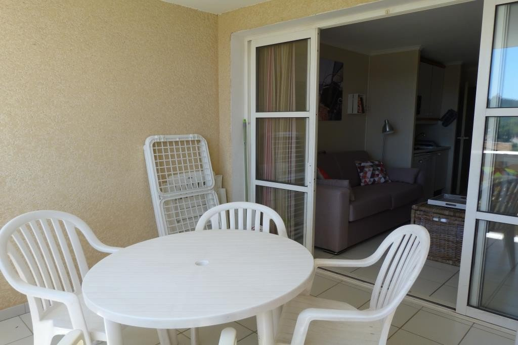 Apartment Floor 1st, View Grounds, Position south east, General condition Good, Kitchen Fitted, Heating ...