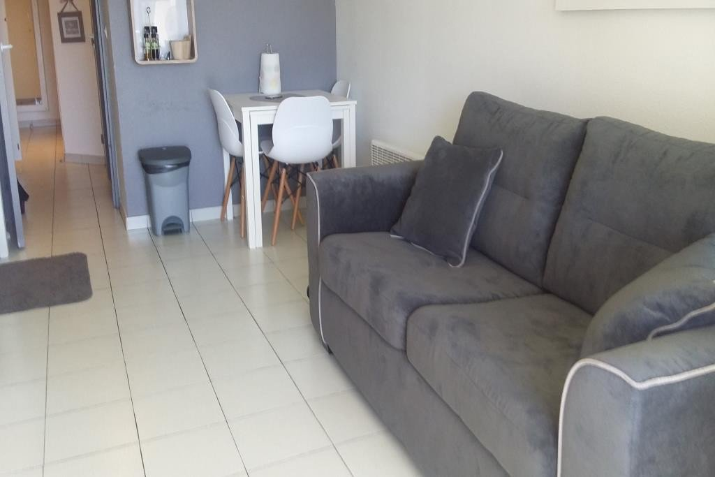Apartment Floor 2nd, View Sea, Position south, General condition Excellent, Kitchen Fitted, Heating ...