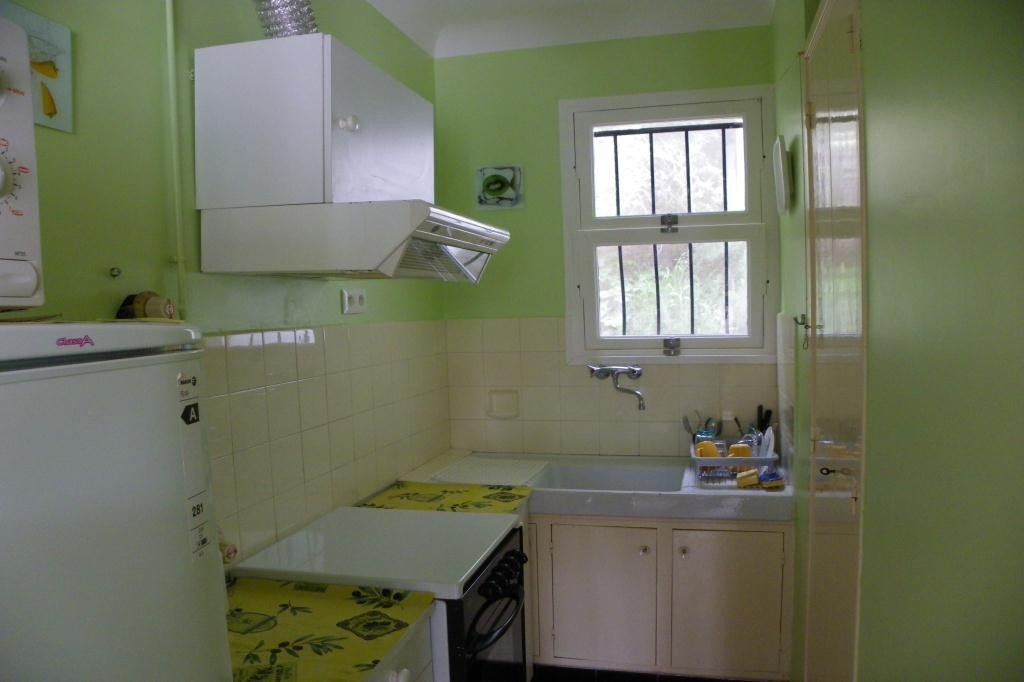 House level 2, position south, General condition Good, Kitchen Fitted, Heating Ellectric, Rental Seasonal Bedrooms ...