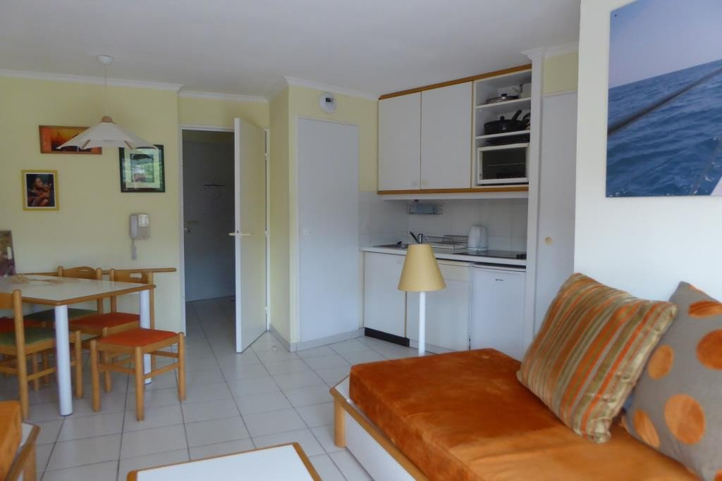 Apartment Stage 1st, View Unobstructed, position south, General condition Good, Kitchen Kitchenette, ...