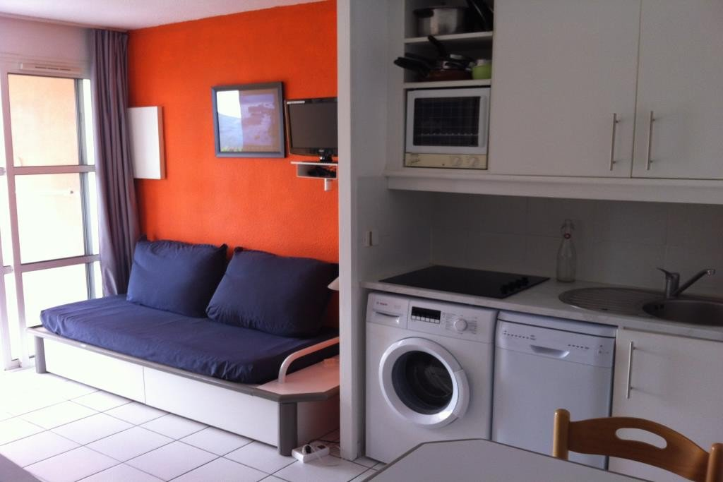 Apartment Floor Garden level, View Sea, Position south, General condition Good, Kitchen Kitchenette, ...
