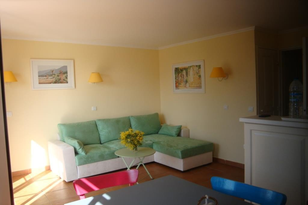 Apartment Floor 1st, View Picine, General condition Good, Kitchen Fitted, Heating Separate electric, ...