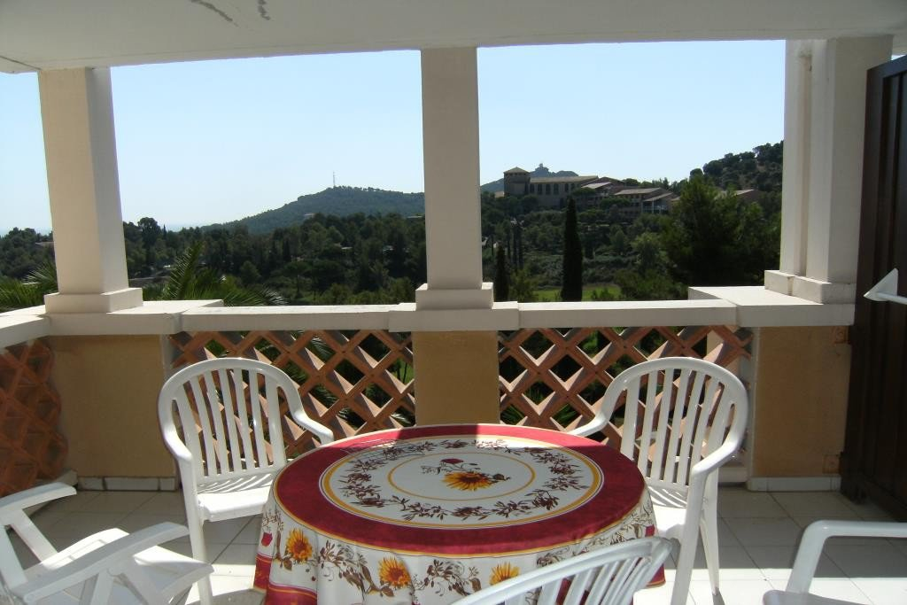 2 PIECES SEA VIEW FOR RENT 4/5 PEOPLE VILLAGE CAP ESTEREL