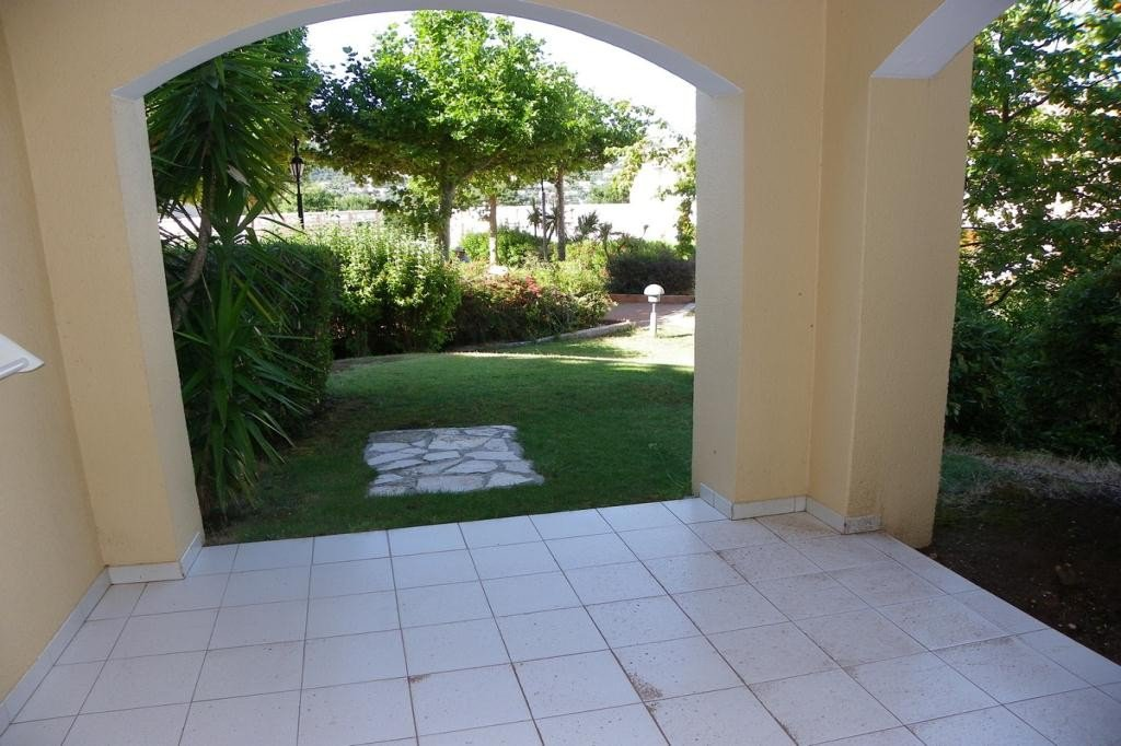 Apartment Stage Garden level, View Garden, position east, General condition Excellent, Kitchen Fitted, ...