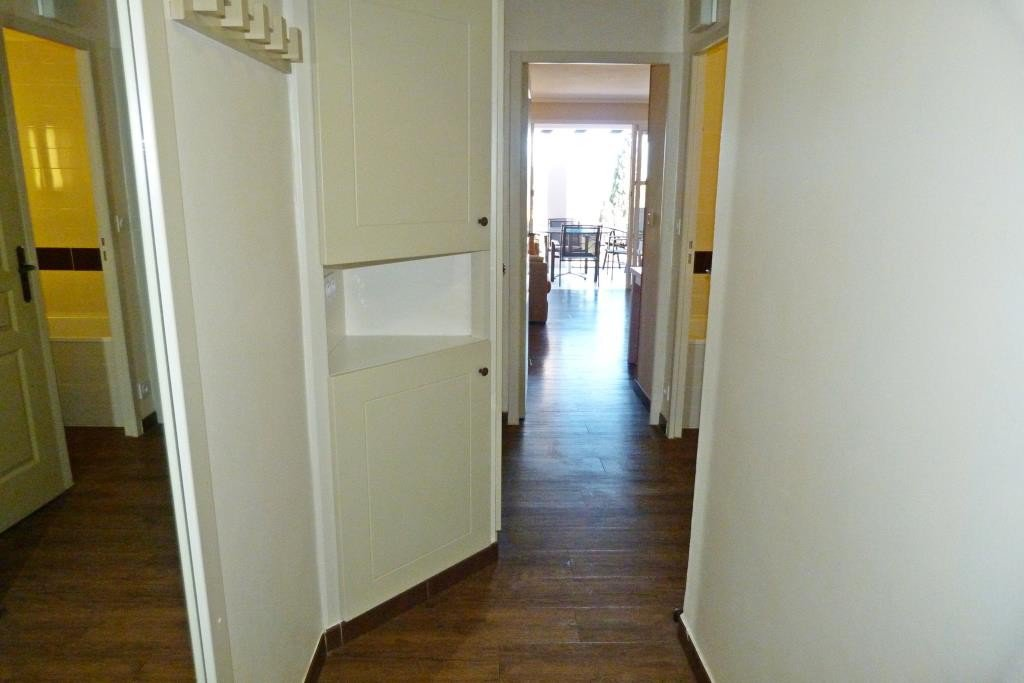 Appartement 2 pièces à louer cap estérel quartier calme entièrement rénové