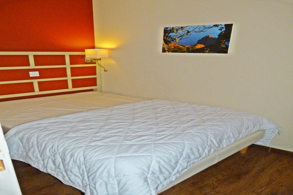 Appartamento 2 camere in affitto cap estérel zona tranquilla completamente ristrutturata