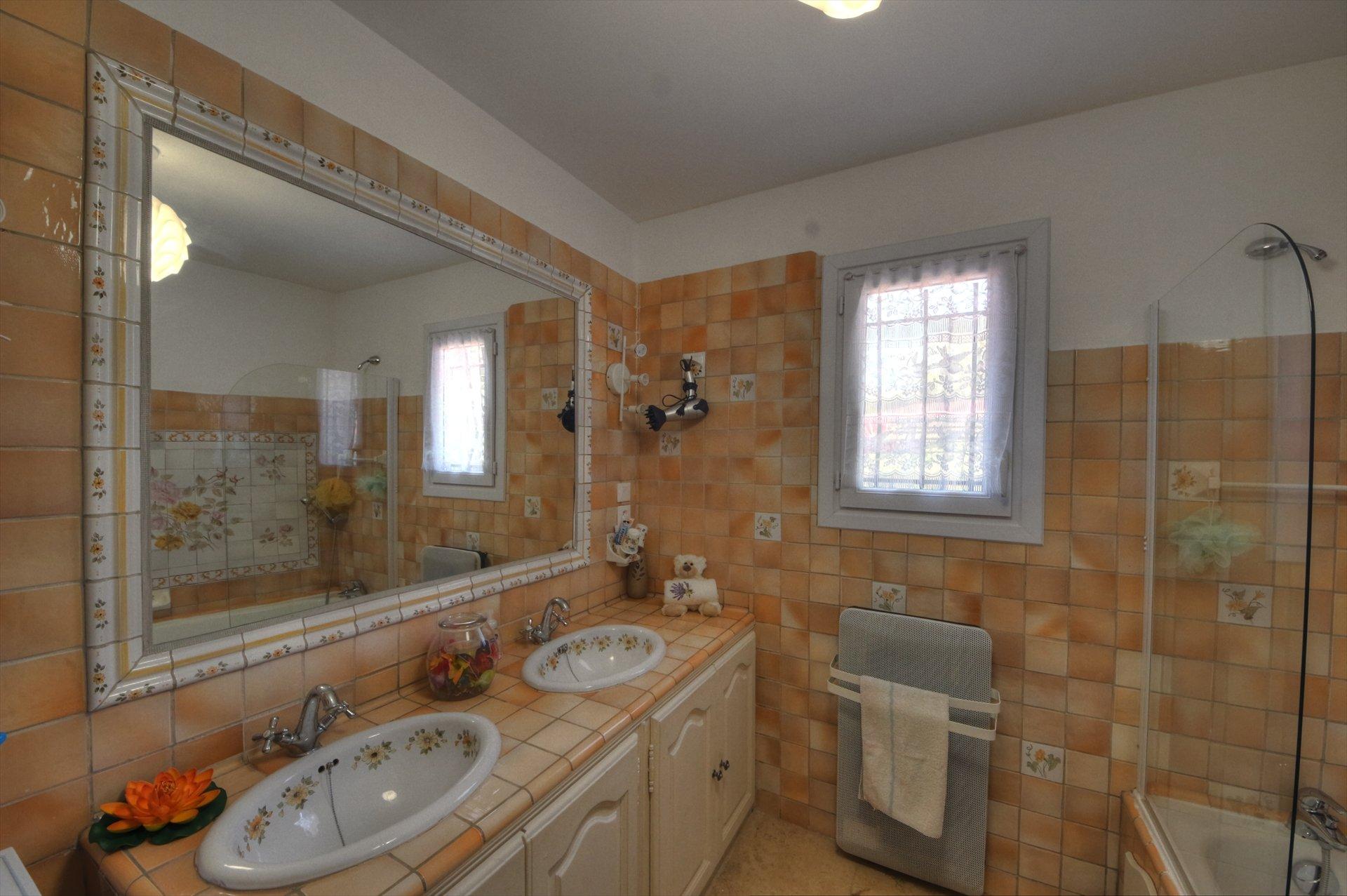 salle de bain de la première maison