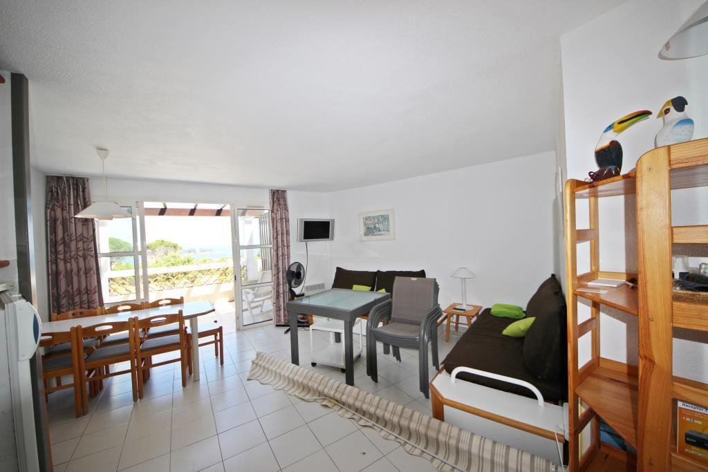 Apartment Floor 2nd, View Sea, Position east, General condition Good, Kitchen Kitchenette, Heating Separate ...