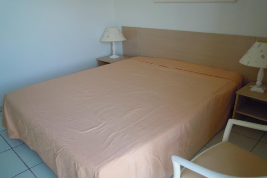 House level Garden level, View Sea front, position south, General condition Excellent, Kitchen American, ...