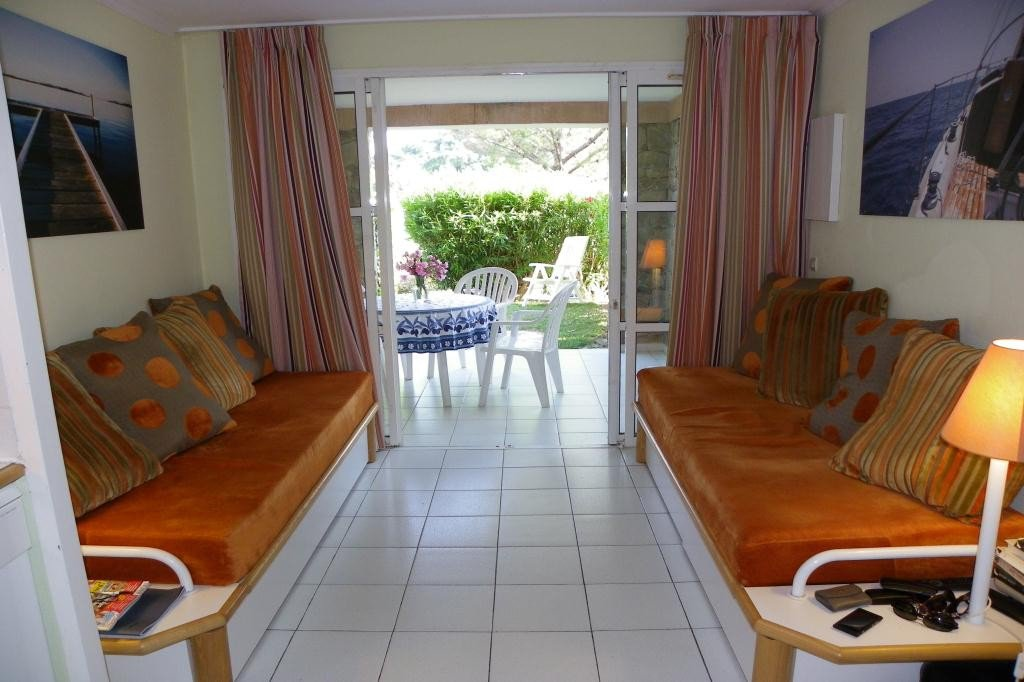 Apartment Stage Garden level, View Sea, position east, General condition Good, Kitchen Fitted, Heating ...