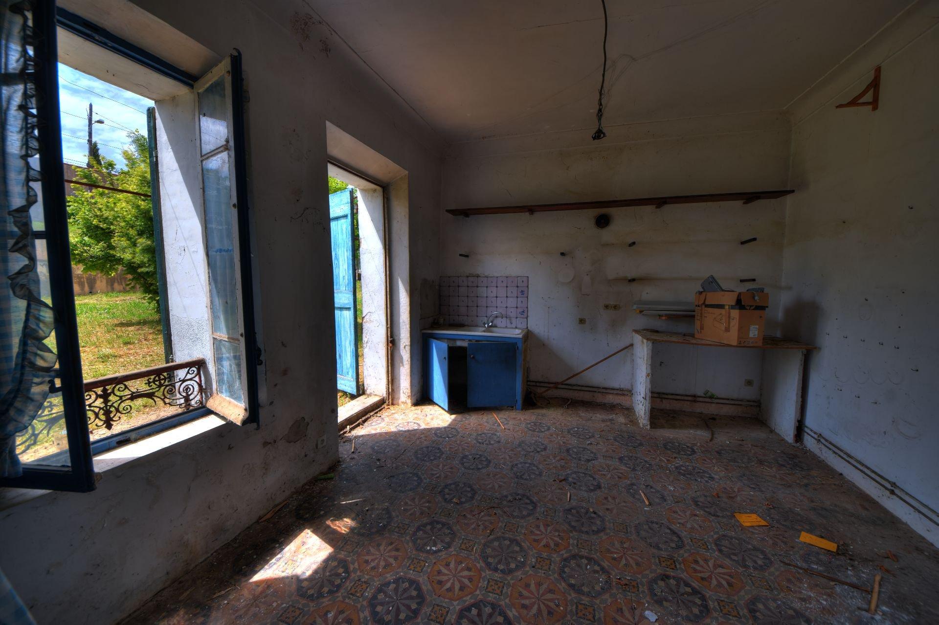 Maison avec jardin centre Village à rénover Aups