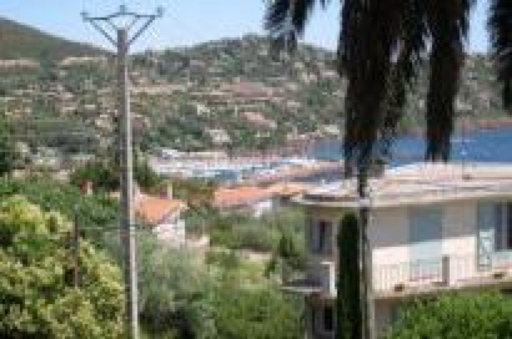 Apartment Stage Ground floor, View Sea, position south, General condition Good, Kitchen Installed, Heating ...