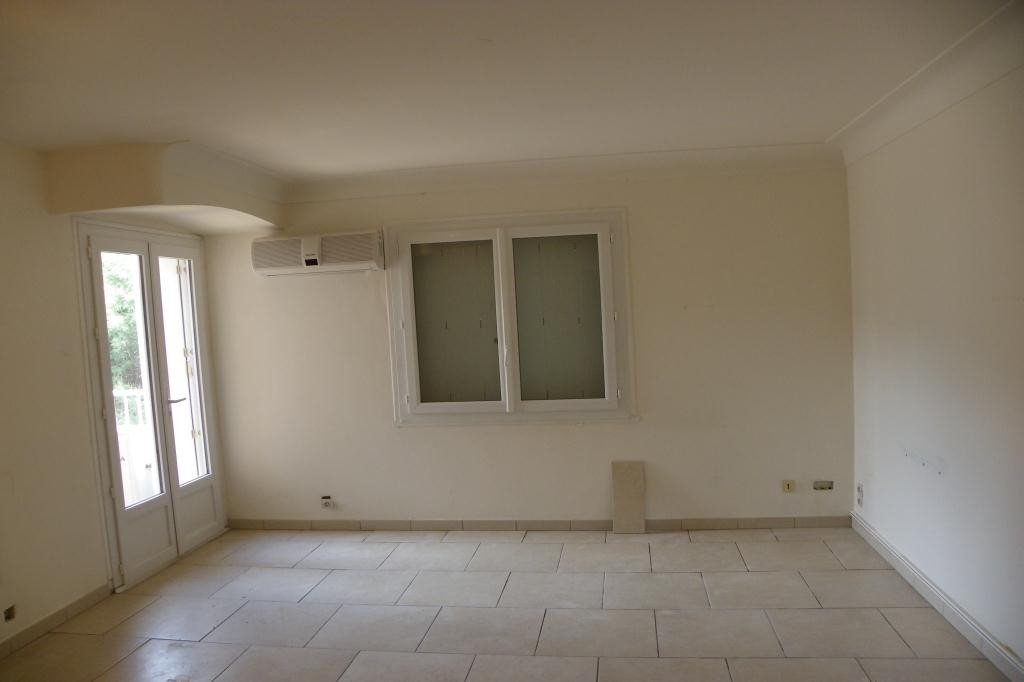 Apartment Stage 1st, View Panoramic sea, position south, General condition To refurbish, Heating Separate, ...