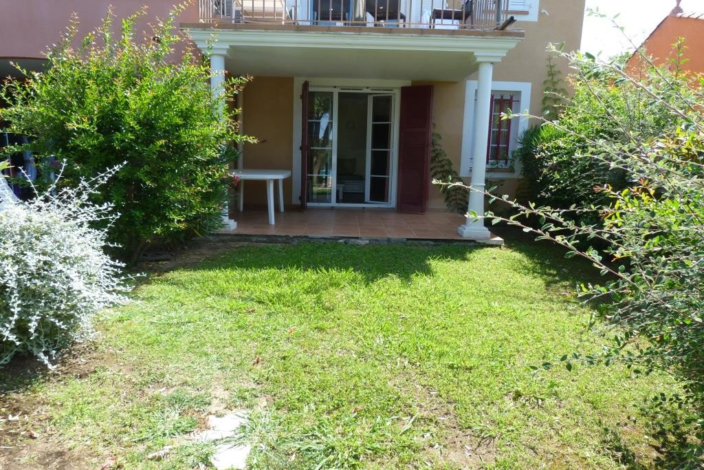 PURCHASE SAINT RAPHAEL district of Dramont. Near beach and shops, apartment T3