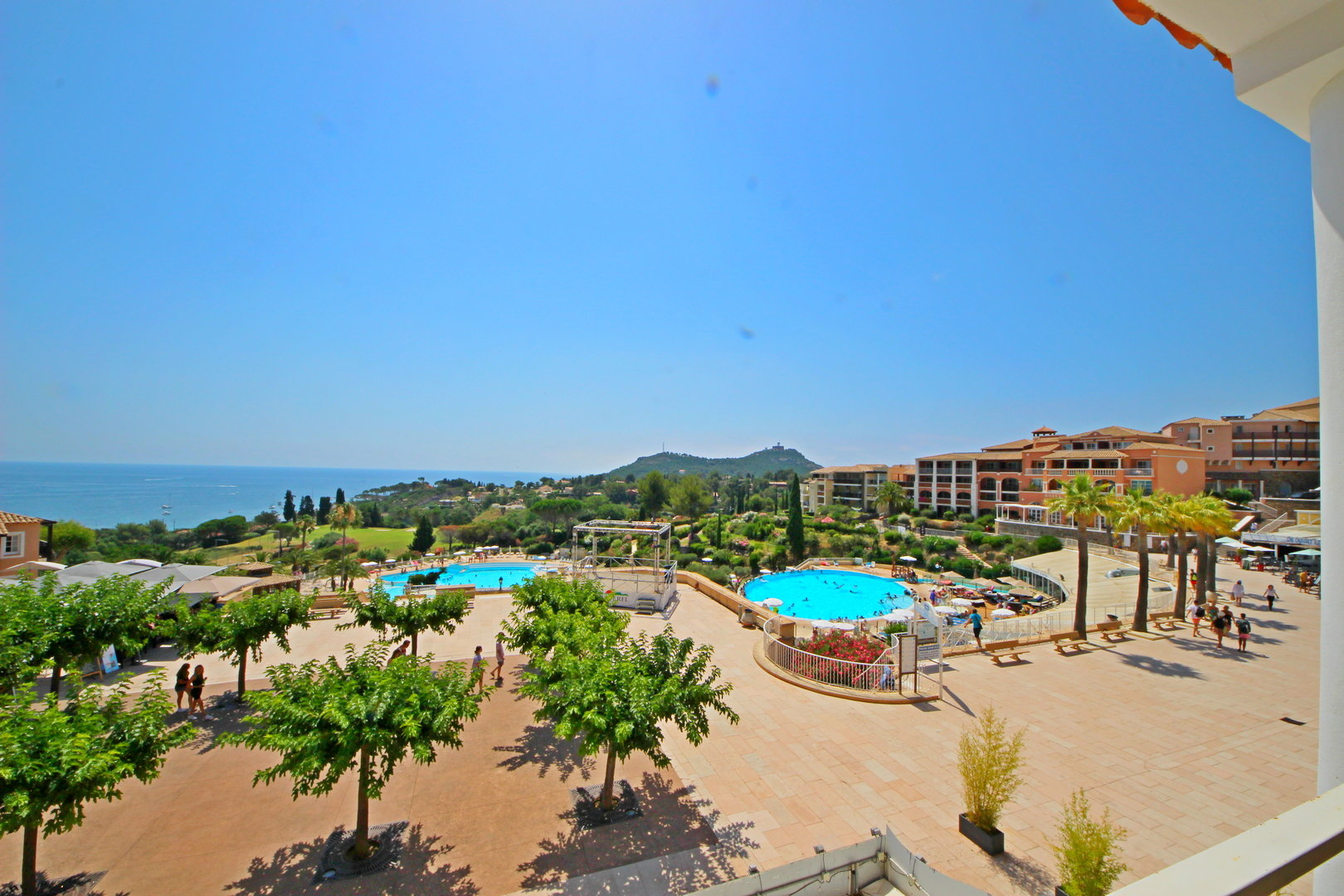 AGAY CAP ESTEREL 2 BEDROOMS FLAT SEA VIEW
