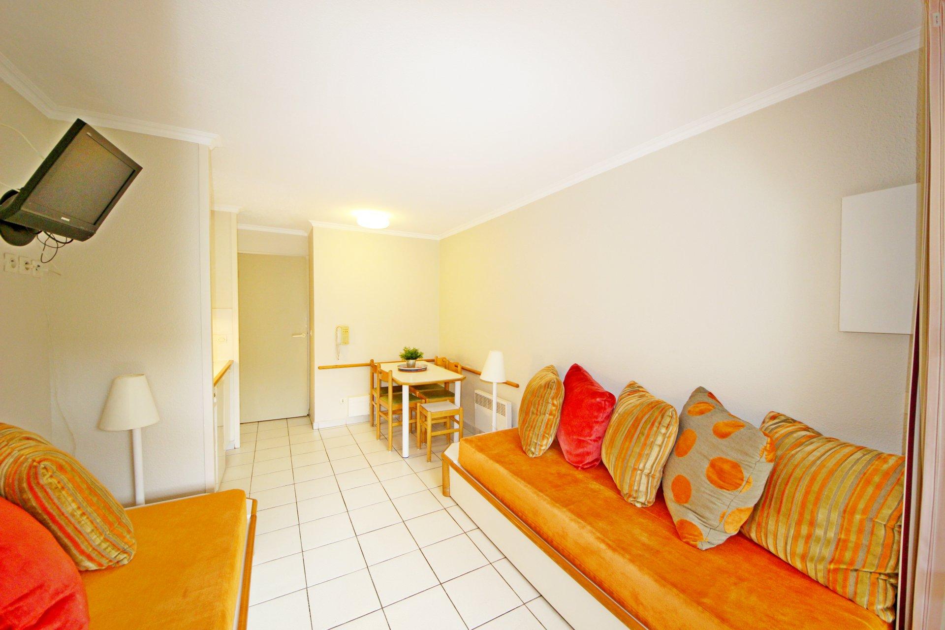 Cap Esterel the living room of the apartment