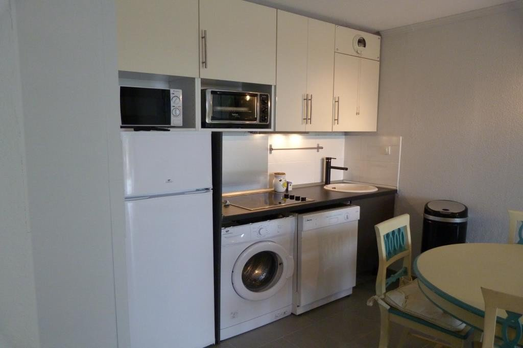 Apartment Stage 2nd, Kitchen Fitted, Heating Separate electric, Hot water Collective, Rental Meublée, ...