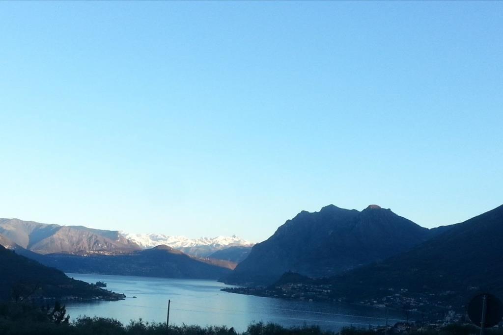 ITALIE ISEO: lac d'Iseo sur parcelle de 400m² superbe maison de maitre de 5 chambres, salon, cuisine, ...