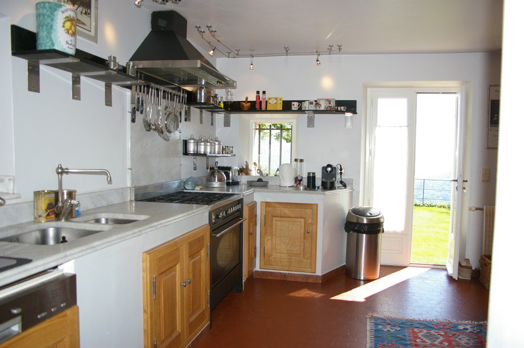 Kitchen, wood floors, stainless steel