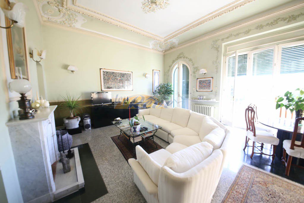 REF IV936 Two-roomed  apartment for sale in Bordighera with parking.