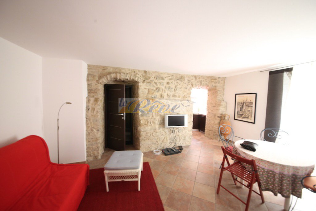 ref iv958 Renovated apartment for sale in San Biagio della Cima.