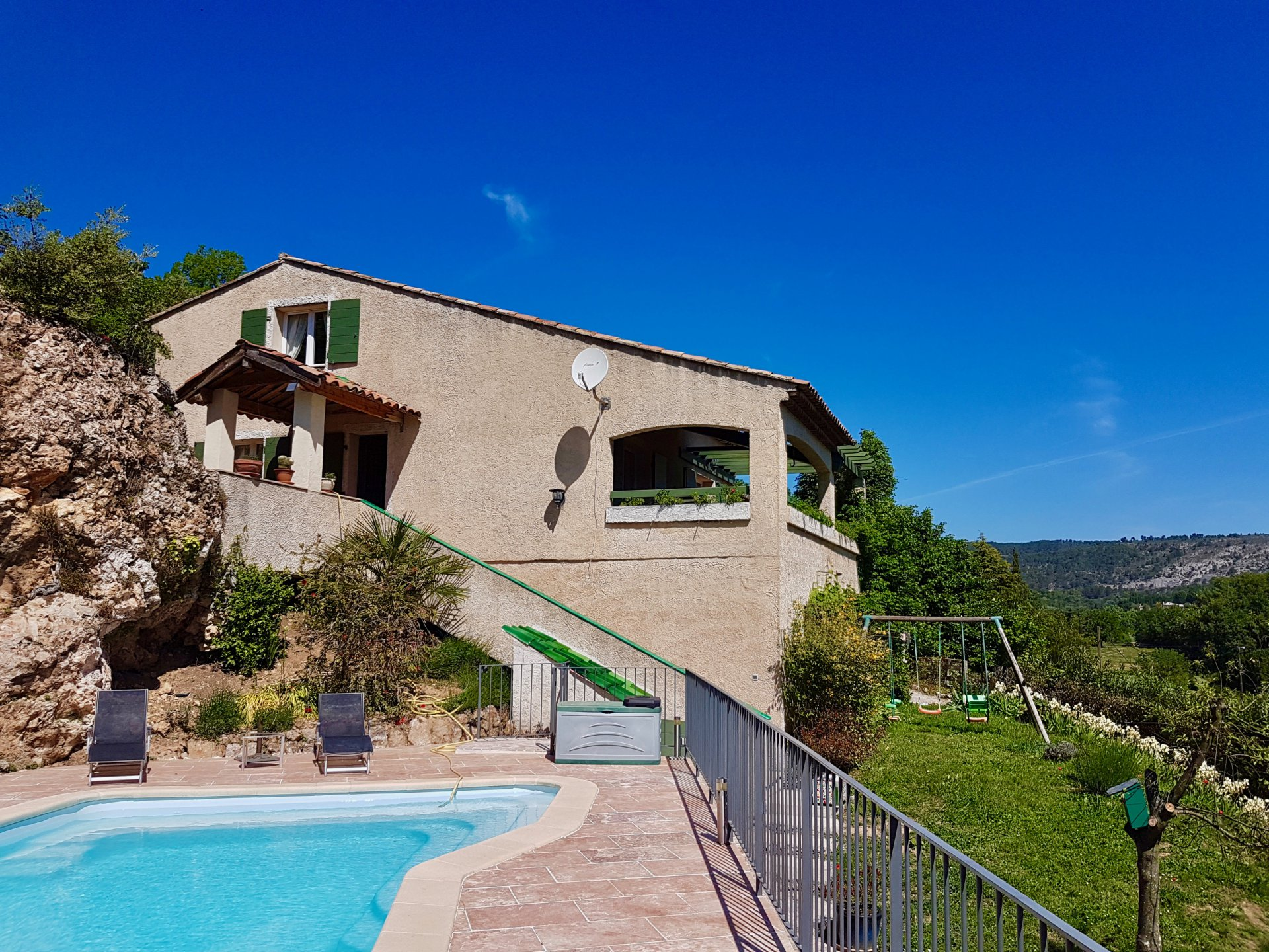 Salernes, nice house with a view.