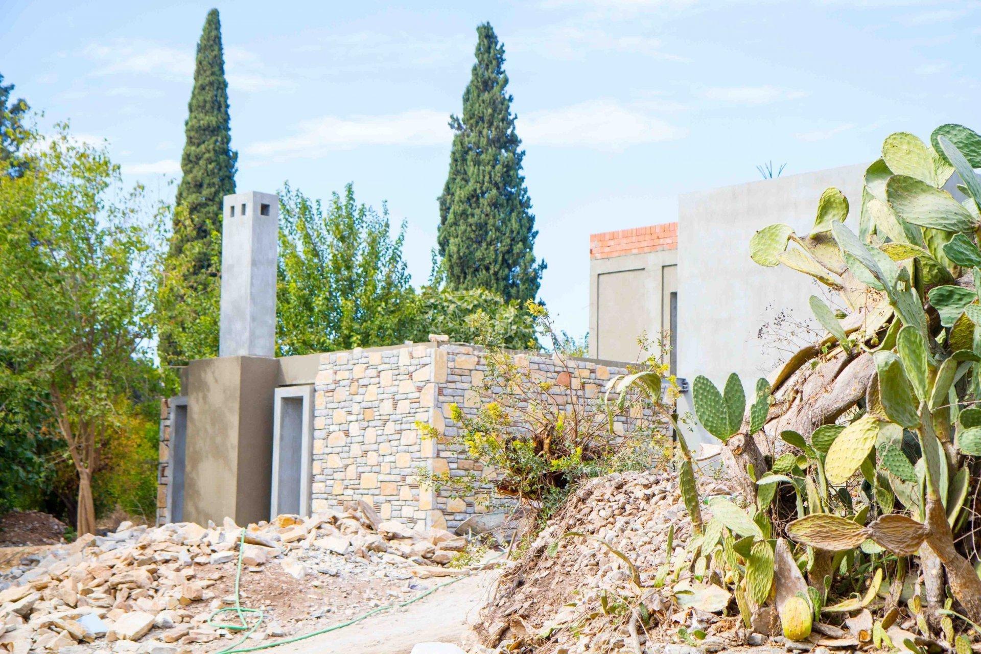 Superbe villa en pierre naturelle avec piscine privée jardin en bord de mer