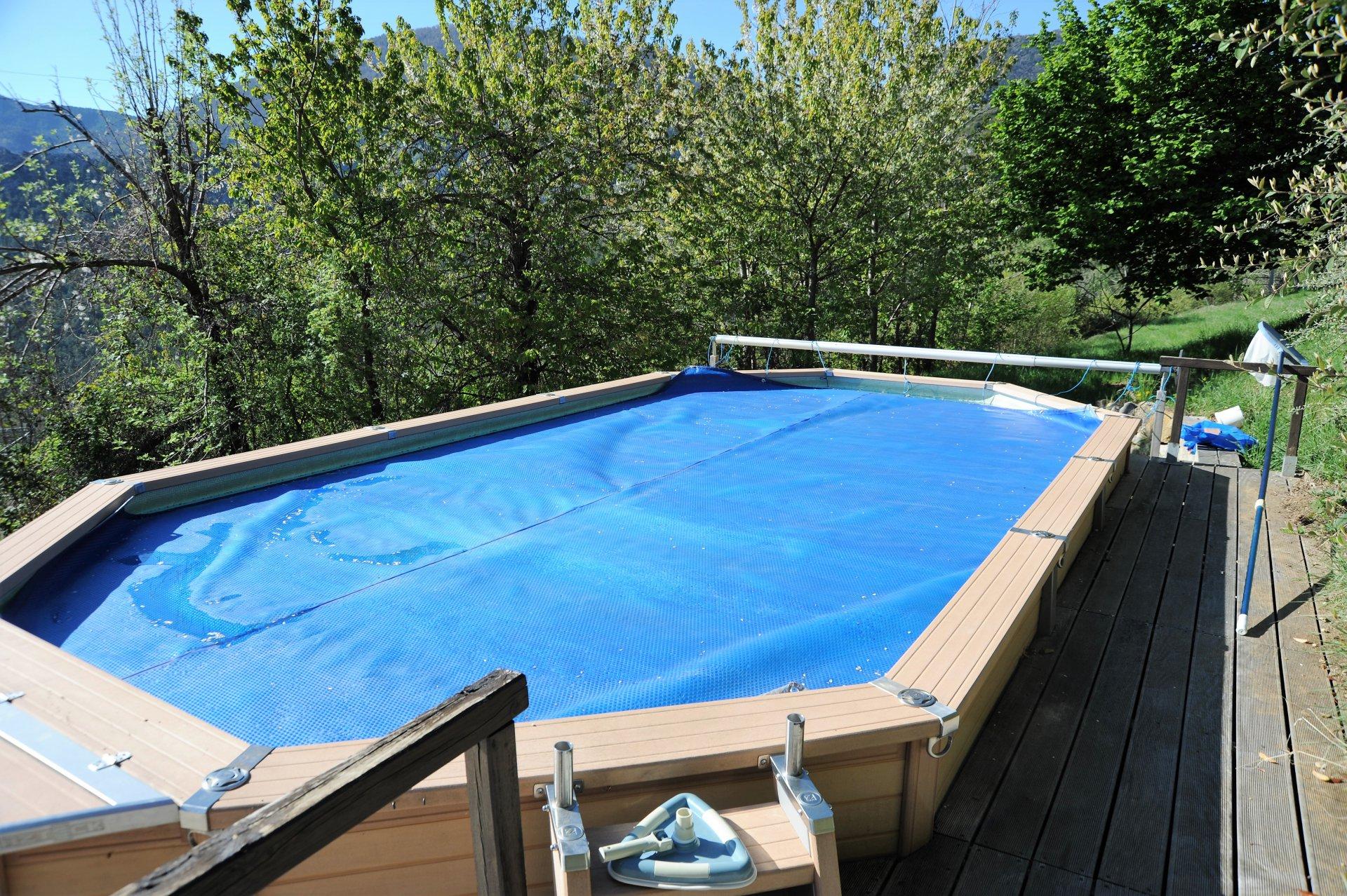 VILLA cossue avec piscine