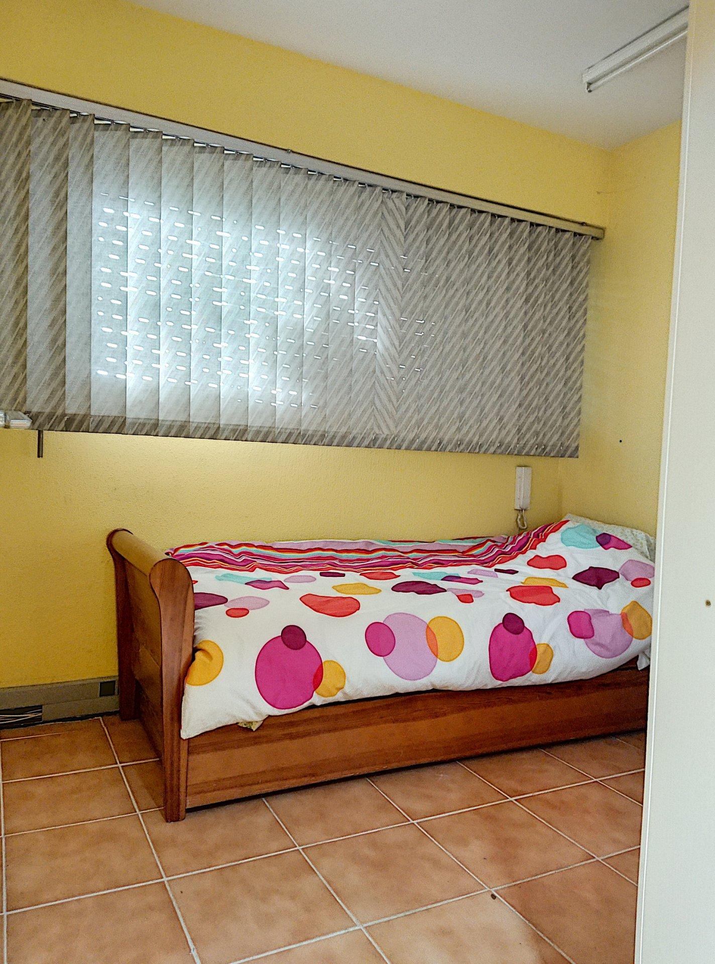 St Laurent du Var - Rascas - Bureaux 95m2 possibilité transformation en appartement