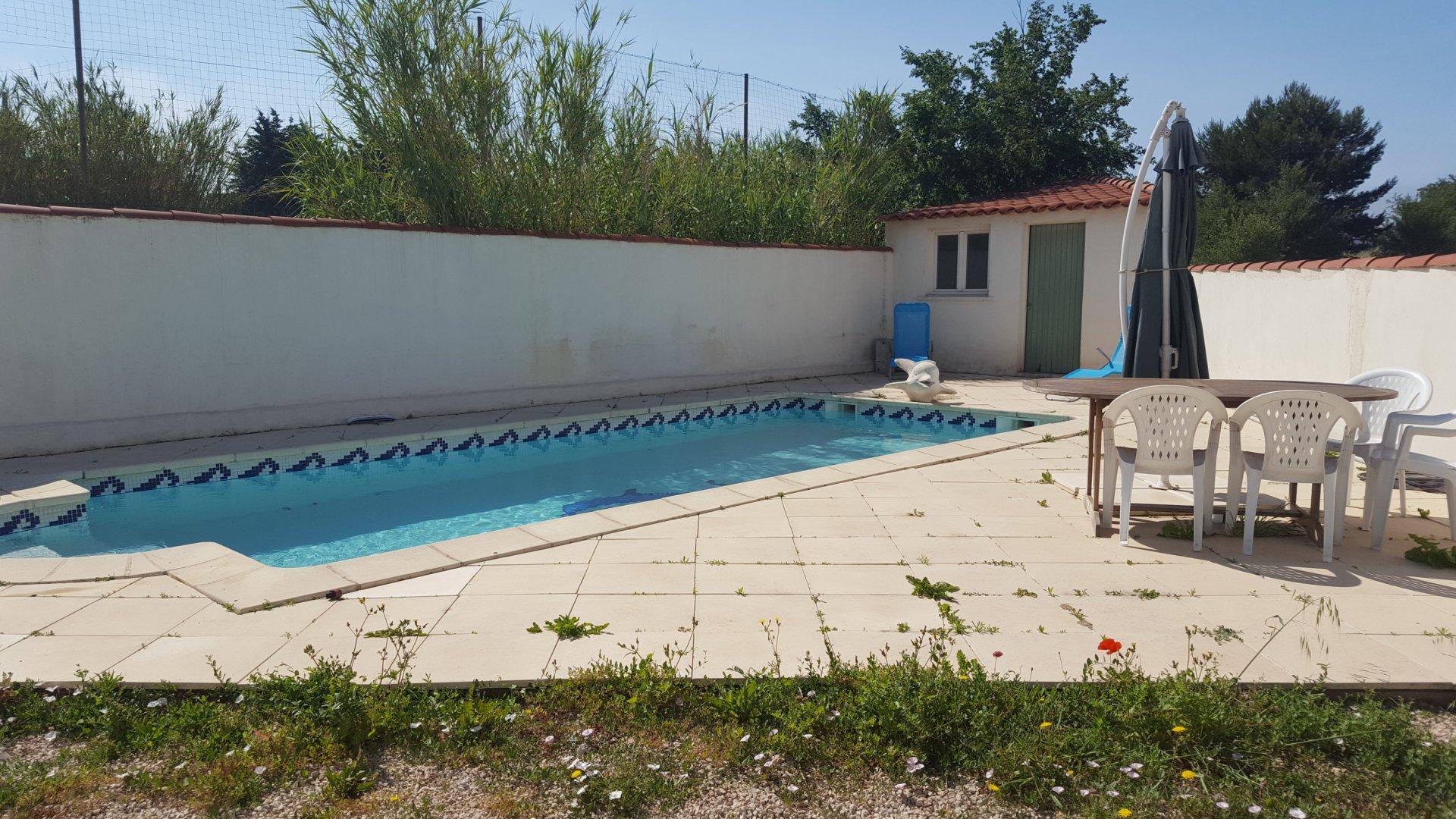 VILLA TYPE 4 /Garage et piscine