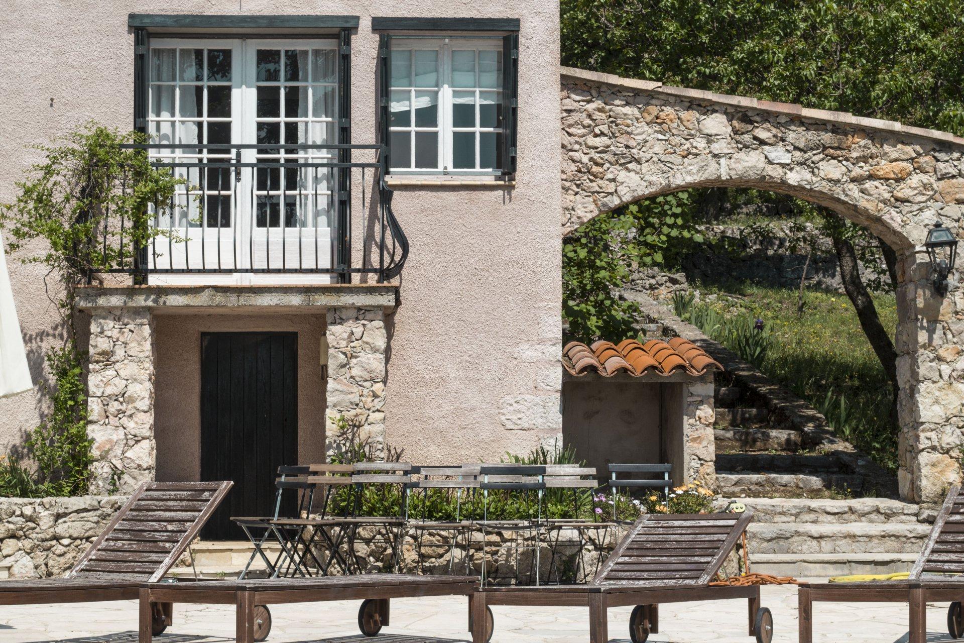 Beautiful 1,5 ha sea view property in Tourrettes sur Loup